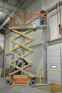 Scissor lift with extending platform