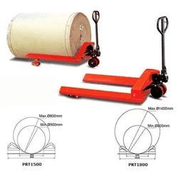 Reel and roll pallet truck