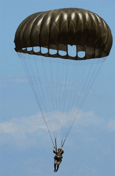 Selecting steerable round parachutes