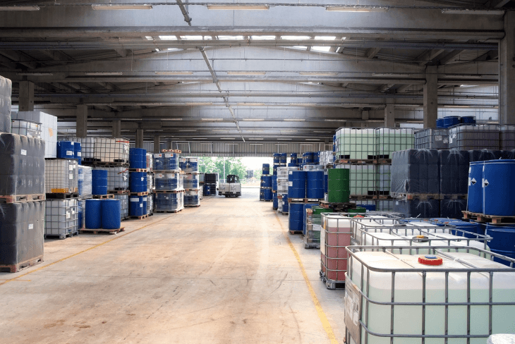 Selecting warehouse services