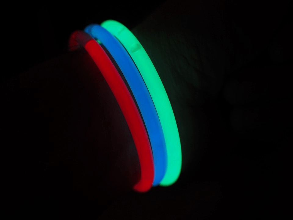 Selecting light glow sticks