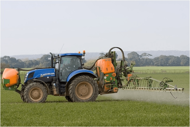 Selecting agricultural sprayers