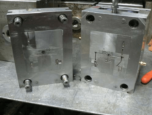 Mold bases and mold plates