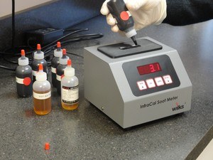 Analyzer Measures Soot Level in Diesel Lube Oils-Image