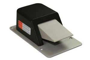 Classic IV Wired Linear Foot Switch-Image