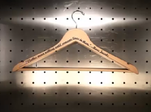 Video: Laser Engraving Curved Text -Image