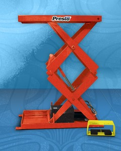 COMPACT SCISSOR LIFT HAS 2,000 POUNDS CAPACITY-Image