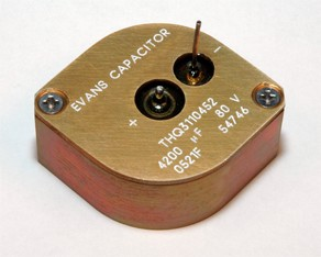Packaged THQ3 Hybrid® Capacitor-Image