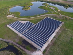 CAT® SOLAR DEMONSTRATION PROJECT POWERS IN BULK-Image