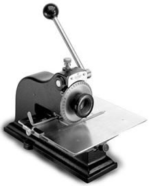 Nameplate engraving machine-Image