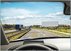 Compact HUD Helps Keeps Drivers' Eyes on the Road